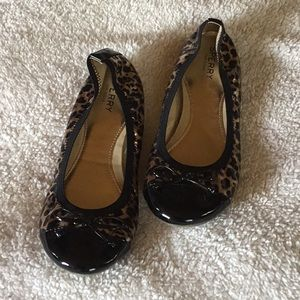 SPERRY ELISE ANIMAL PRINT FLATS SIZE 5M